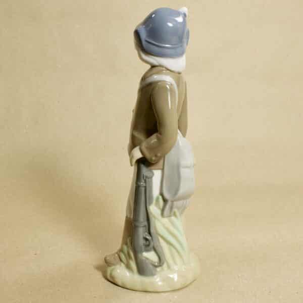 статуэтка охотник с ружьём casades