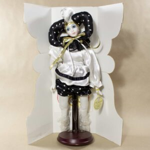 фарфоровая коллекционная кукла арлекин ремеко коллекшин