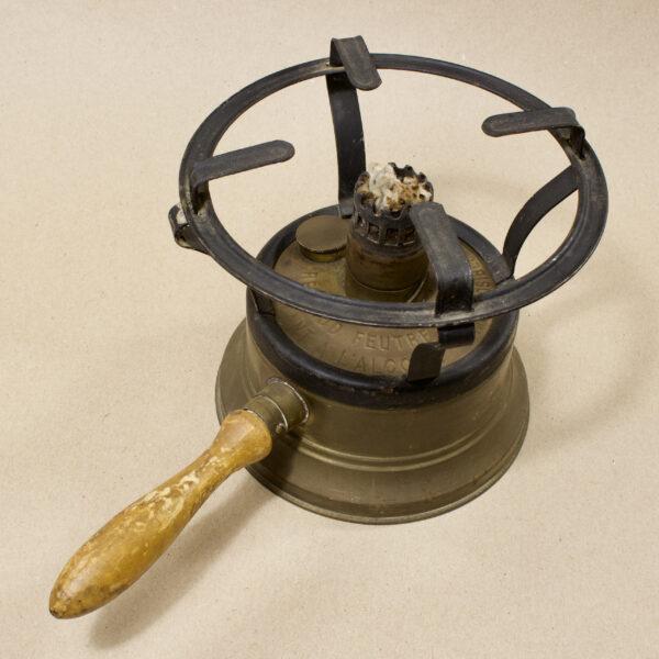 Старинная спиртовая плита L'hirondelle