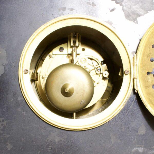 старинные механические часы с боем