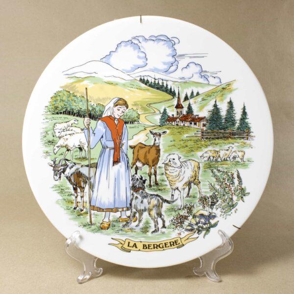 Декоративная тарелка La bergere